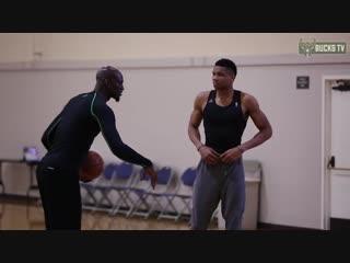 Яннис и Тон Мейкерс тренируются с KG в Лос-Анджелесе