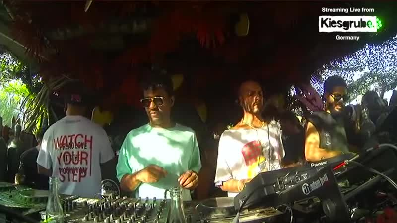 The Martinez Brothers b2b Jamie Jones b2b Loco Dice - Live @ Kiesgrube Open Air 2018