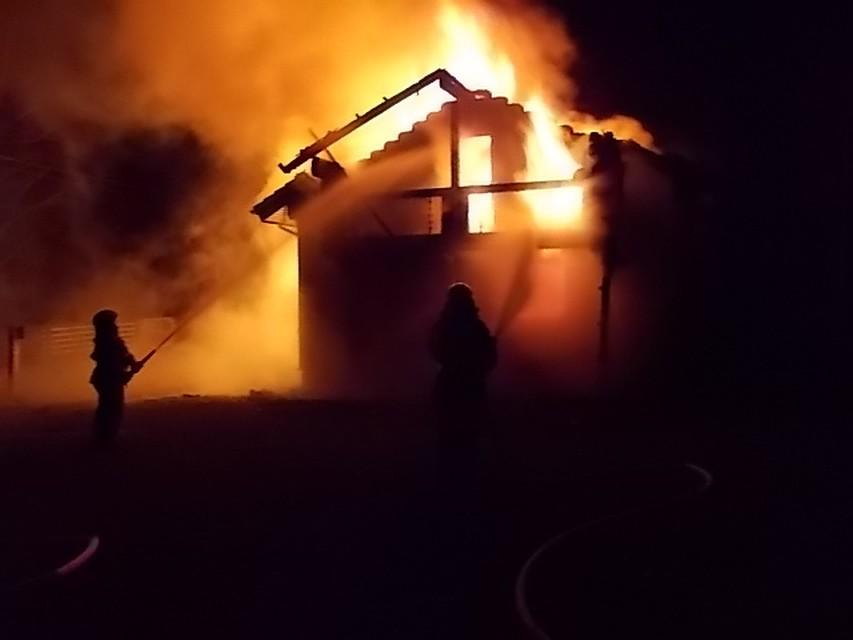 В Красноармейском районе пожарные подразделения тушили загоревшуюся баню
