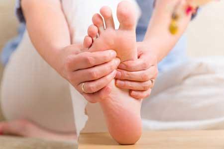 Онемение и покалывание в пальцах ног называется парестезией пальцев ног.