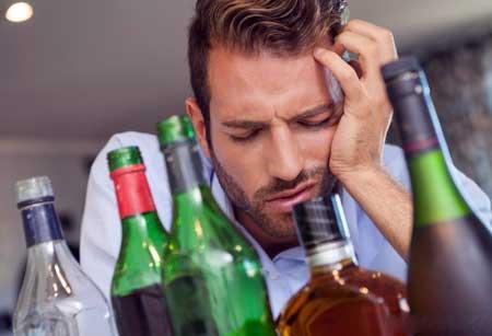 Долгосрочные последствия пьянства могут включать проблемы с почками и печенью.
