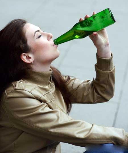 Регулярное пьянство может быть признаком более серьезной проблемы с алкоголизмом.