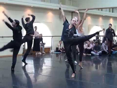 Балет «Маскарад» на сцене Одесской оперы