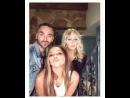 Jade en el Instagram de Aaron junto a el y Holly