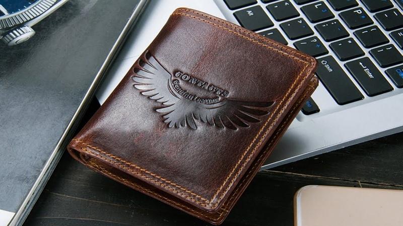 Кожаный бумажник.