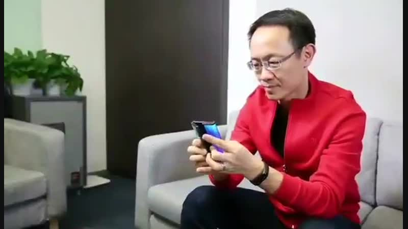 Check out this special video from Xiaomi President and Co-founder Bin Lin, showing off a v