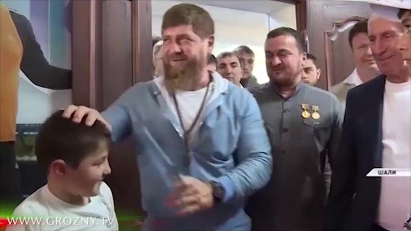 Юный спортсмен-тхеквандист Мансур Таштамиров готовится к поездке на лечение и замену протезов
