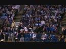 Защитник «Тимбервулвз» Джимми Батлер и болельщики «Уорриорз»