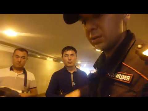 Как полицейские относяться к китайцам в РФ