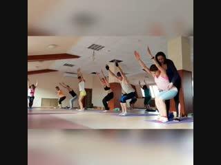 Универсальная йога в нашей школе Прана👍