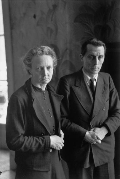 Анри́ Картье́-Брессо́н (фр. Henri Cartier-Bresson) (22 августа 1908 3 августа 2004) французский фотограф, мастер реалистичной фотографии XX века, фотохудожник, отец фоторепортажа и