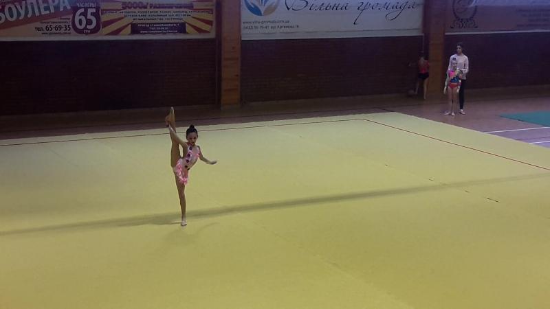 Катерина Мороз 8 років (виступ з художньої гімнастики)