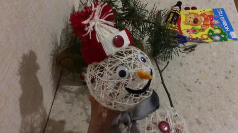 Снеговик из ниток и клея подробный мастер класс 2019 года