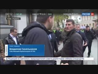Военных и технику стягивают к резиденции Порошенко под Киевом