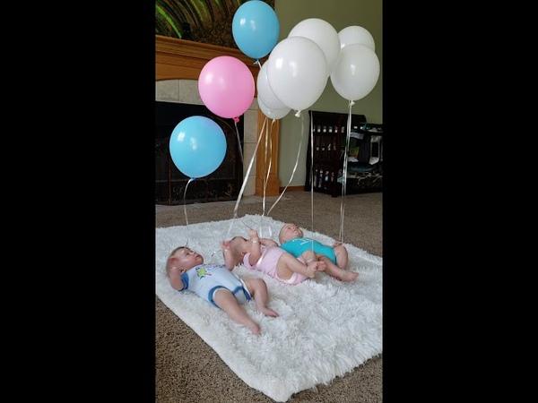 Дети, играющие с воздушными шарами || ViralHog