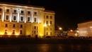 Вечерняя Дворцовая площадь.