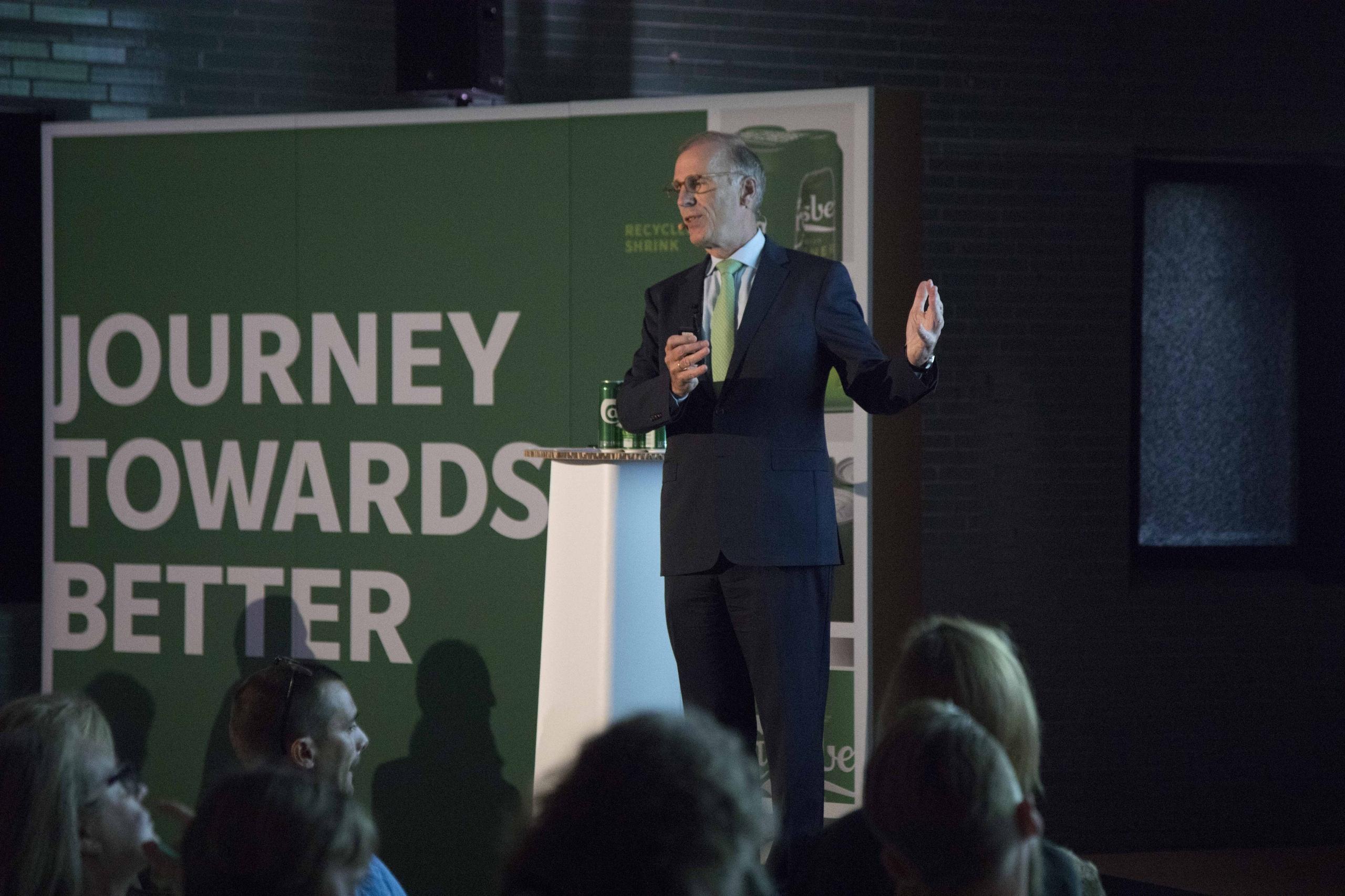 Carlsberg внедряет передовые инновации, чтобы сократить отходы пластика