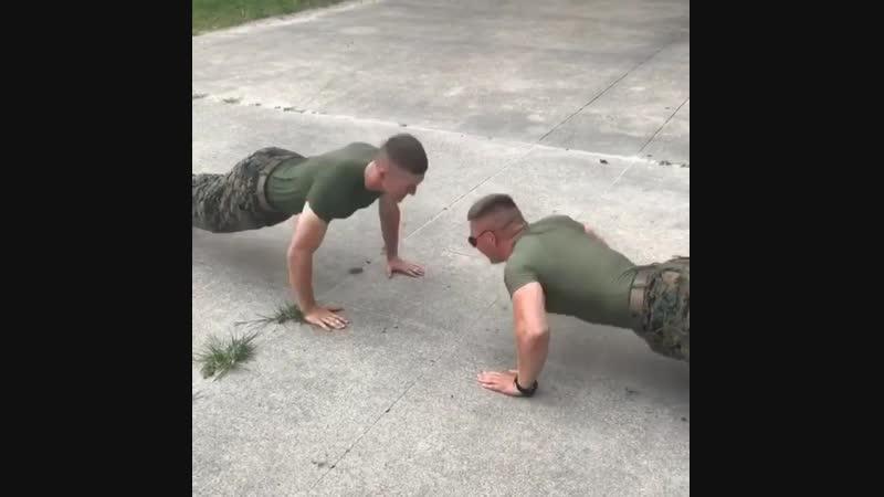 Морские пехотинцы которые тренируются вместе сражаются вместе 💪🏼🦅 Marines who train together fight together 💪🏼🦅