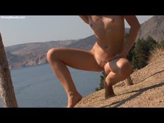 Showybeauty amelia - sexy walk