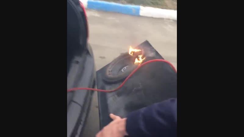Чуть не спалили тачку! Загорелся сабвуфер!