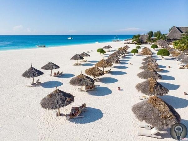 Лучшие пляжи Занзибара 1. Нунгви Роскошный 2-километровой длины пляж с белоснежным песком находится на севере о-ва Занзибар, в деревне с таким же названием. По мнению некоторых туристов, Нунгви