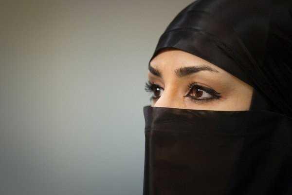 В Иране женщину наказали за измену мужу. Такого приговора не ожидал никто… В Иране женщину обязали два года мыть трупы в морге из-за измены мужу. Предварительно она получит 74 удара плетью, а ее
