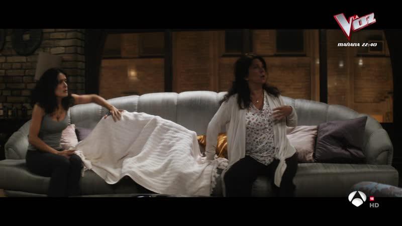 Everly 2014 sexy escene Salma Hayek 04