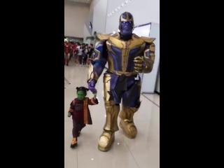 Папа с дочкой сделали косплей на Таноса с Гаморой