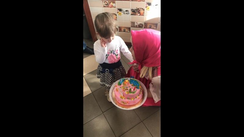 Ксюшеньке 3 годика❤️❤️❤️ С Днём Рождения принцесса наша❤️❤️❤️ мы тебя очень сильно любим❤️❤️❤️🌹🌹🌹💐💐💐🌸🎁🎉🎊🎈🎈🎈