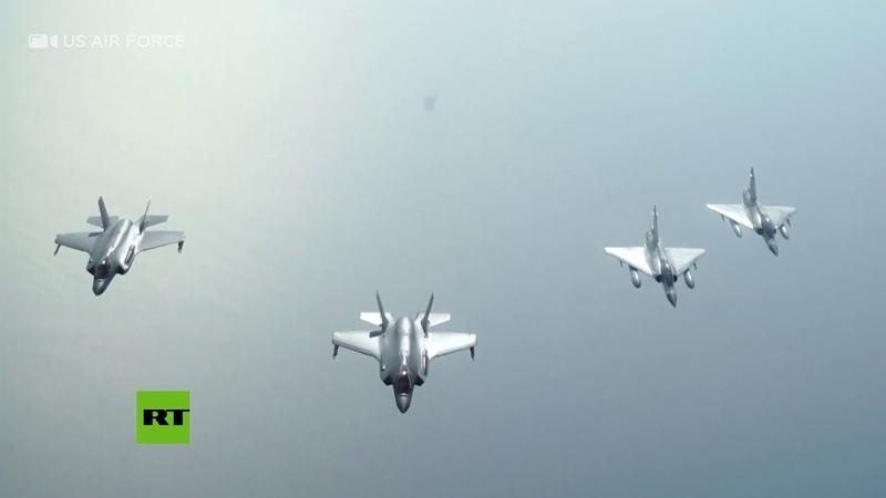 Aviones militares de Catar y EE.UU. vuelan juntos sobre el golfo Pérsico