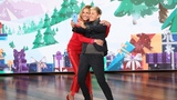 It's a 12 Days First as Ellen &amp Julia Roberts Give Everyone a Brand New iPhone XR