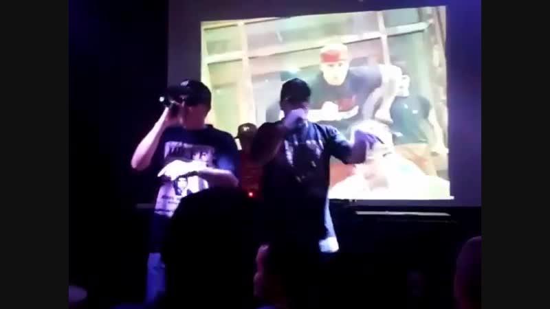 Группа Bad Balance в Нижнем Новгороде исполнила трек Жабы (8 декабря 2018 г.)