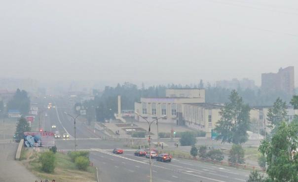 Усть-Илимск затянут густой пеленой дыма