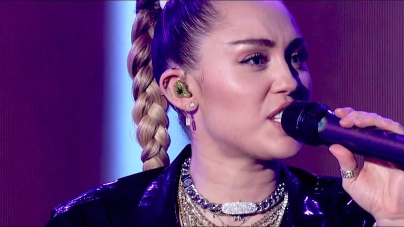 [HD] Miley Cyrus Mark Ronson - Nothing Breaks Like a Heart (Live at The Graham Norton Show 2018)