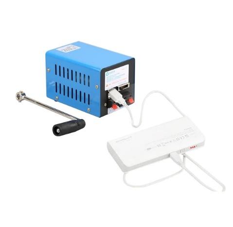 Ручная динамо-машина для зарядки мобильных устройств.