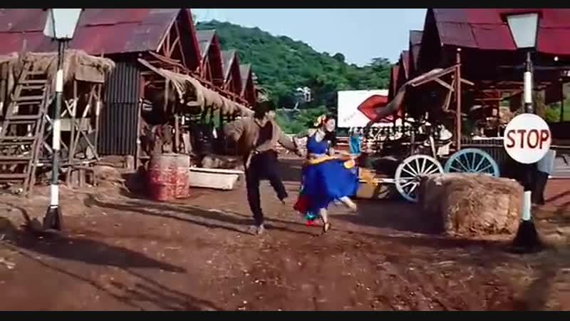 Шахрукх Кхан и Каджол( клип из фильма Карон и Арджун)