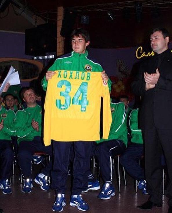 Александр Хохлов: 30 мая 2009 года состоялся мой дебют в Российской Футбольной Премьер Лиге. И это случилось на родном «Петровском» против родного «Зенита»