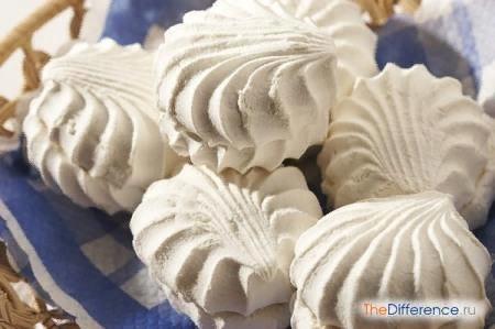 Разница между зефиром и пастилой Кто из нас не любит сладости Некоторые в восторге от пирожных и тортиков, кто-то ни дня не может прожить без шоколада и конфет, другие предпочитают рахат-лукум и