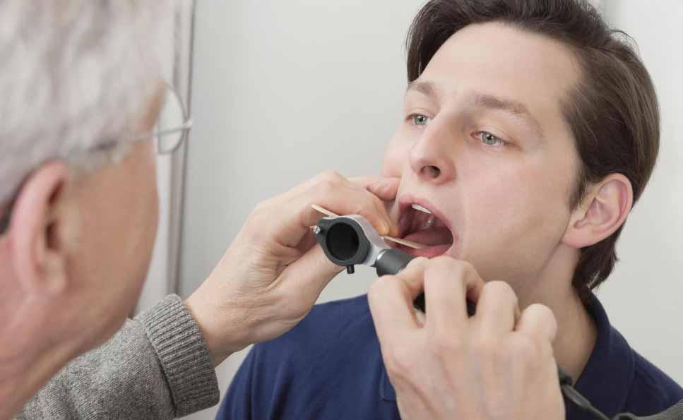 Обезболивающие обычно необходимы после удаления зубов мудрости человека.