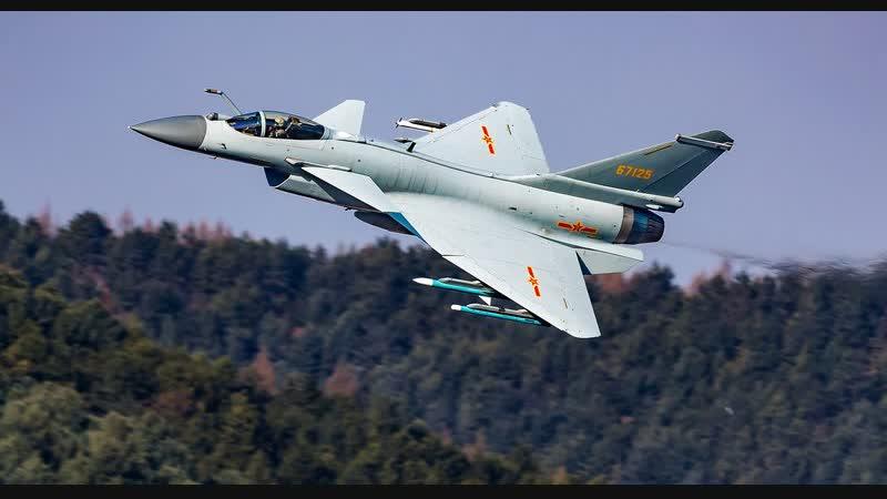 Китайский истребитель поразил манёвренностью