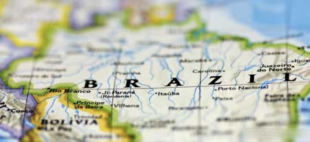 Вуду практикуется как религия в Бразилии, где она известна как «Candomble».