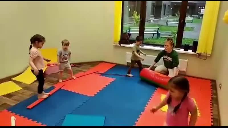 Креативный подход педагога к проведению спортивных занятий в нашем САДИКЕ🤗 ⠀ Детки занимаются с огромным удовольствием 💪 ⠀ monk