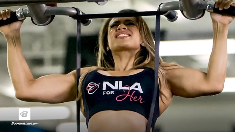 Build Your Back Biceps with Lais DeLeon