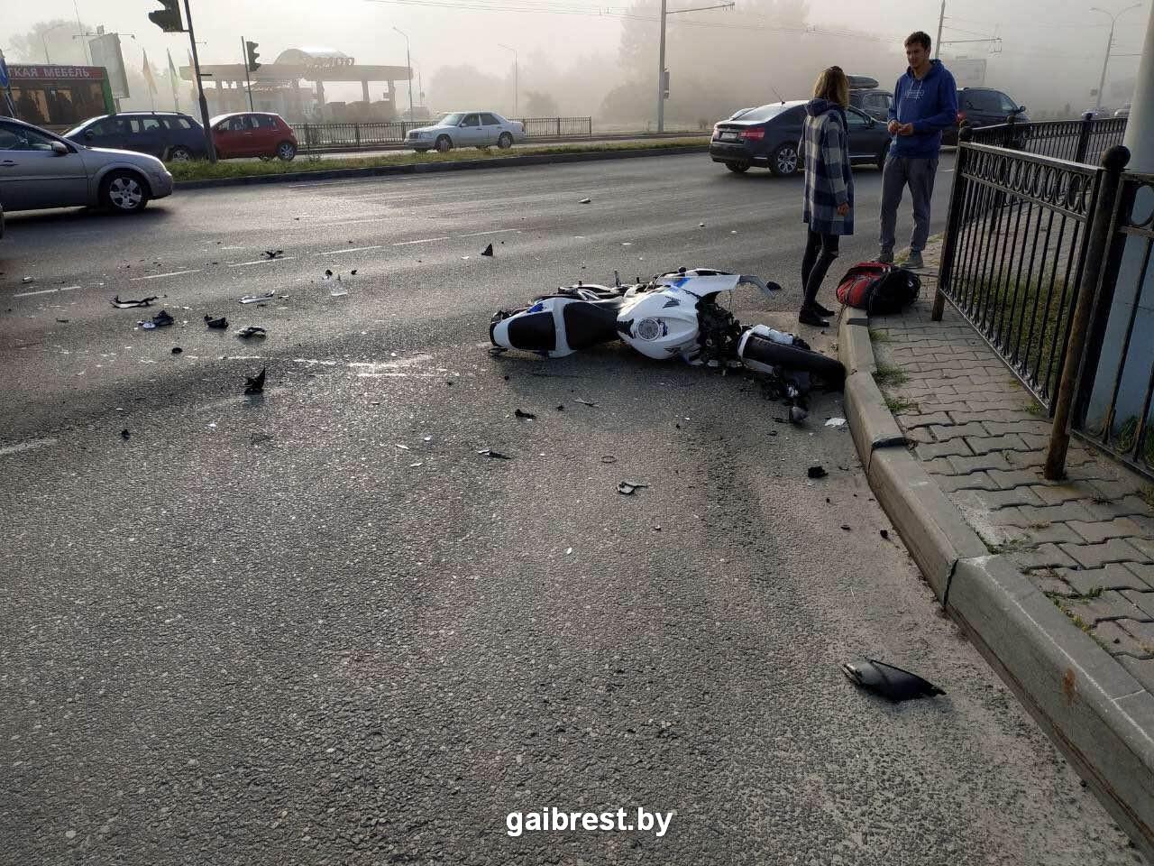 В ГАИ рассказали обстоятельства ДТП с участием мотоциклиста сегодня утром в Бресте