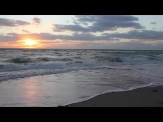 Relaxing_Ocean_Waves_at_Sunset_|_Royalty_Free_HD_Stock_Footage(480p).mp4