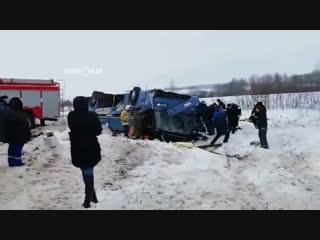 Под Калугой перевернулся автобус, который вез детей на концерт: число погибших возросло до 7 человек