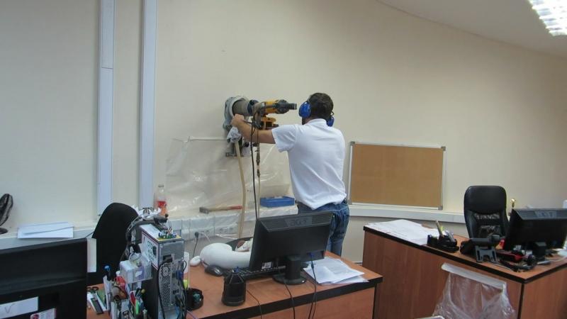 Бурим отверстие диаметром 132 мм для установки приточно-очистительного мультикомплекса Ballu Air Master2
