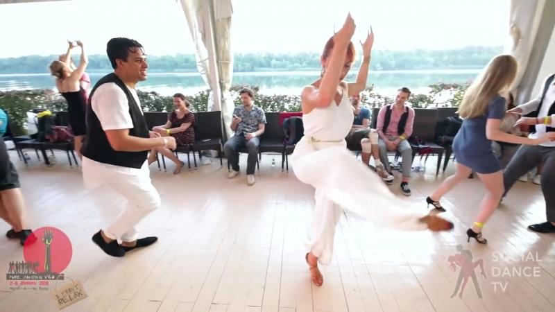 Борис Эча и Наталья Сиренко - Salsa social dancing at the 2018 The Third Front Salsa Festiva