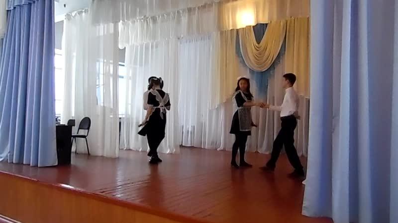 ностальгия)) Классное исполнение девчата, и парни молодцы! Карина,Олеся, Наиль и Артур!SAM_1192