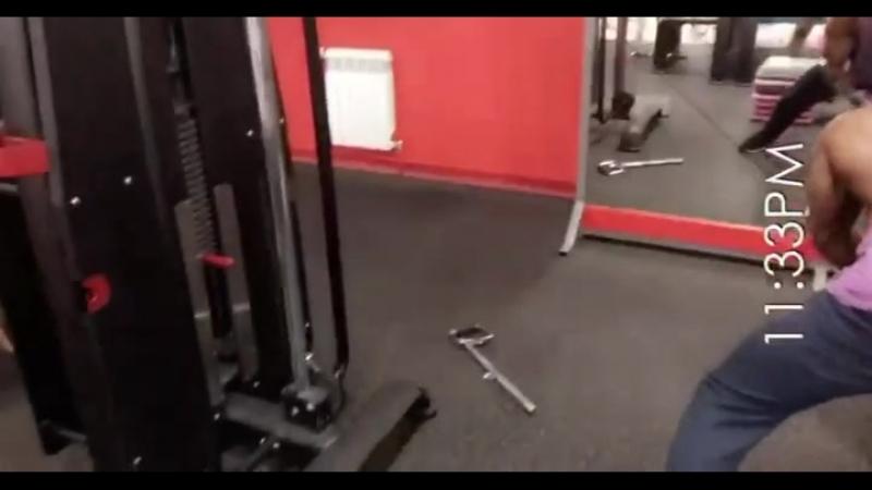 200kg chest beater